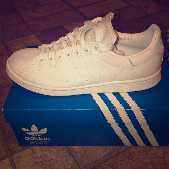 best service e2a90 a26e0 Adidas Canvas Stan Smith